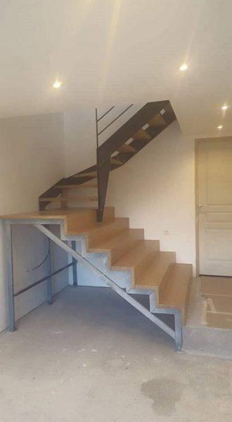 escalier-chene-et-metal-brut-vernis